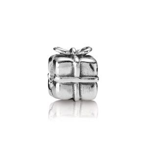 Pandora Retired Gift Present Sterling Silver Charm